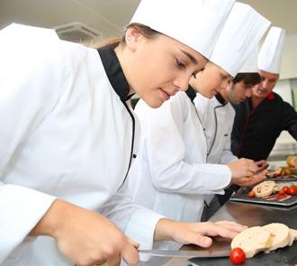 Estudia el Curso Ayudante de Cocina en Colectividades y conviértete en un experto en cocina