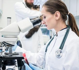 Estudiar el curso de farmacia veterinaria te formará en fórmulas farmacéuticas especializadas en veterinaria.