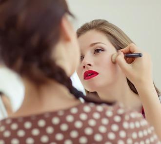 estudiar el master en maquillaje integral te formará ampliamente como maquillador profesional