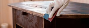 Descubre los muebles antiguos y cómo restaurarlos paso a paso